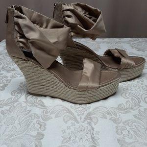 Ladies size 10 wedge Jennifer Lopez sandals